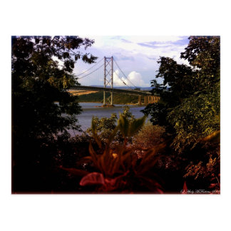 Adelante puente del camino tarjeta postal