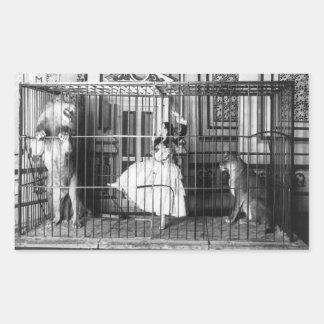 Adgie y ella entrenaron al circo 1897 del vintage pegatina rectangular