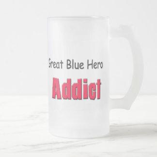 Adicto a la garza de gran azul tazas