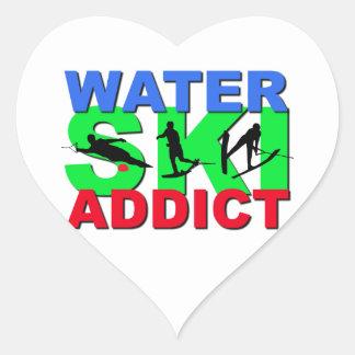 Adicto al esquí acuático pegatina en forma de corazón