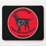 Adicto certificado al perro perdiguero de Flatcoat Tapete De Ratones