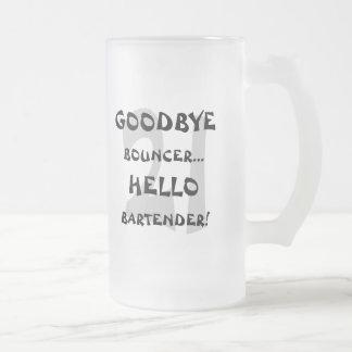 ¡Adiós camarero de la gorila… hola! Tazas De Café