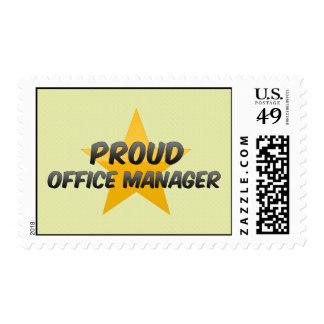 Administrador de oficinas orgulloso sello