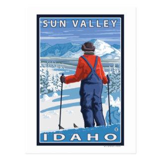 Admiración del esquiador - Sun Valley, Idaho Tarjetas Postales