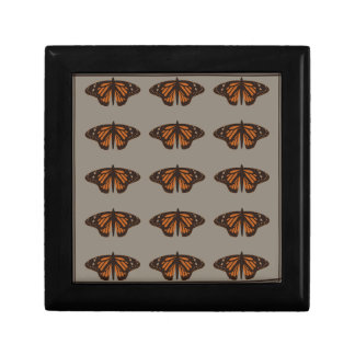 Admiral butterfly brown.png jewelry box
