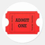 Admita a los pegatinas rojos de un del boleto etiqueta redonda