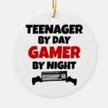 Adolescente por videojugador del día por noche ornamento de reyes magos