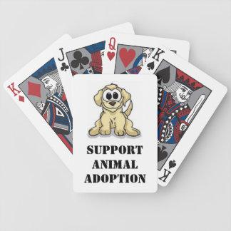 Adopción del animal de la ayuda barajas de cartas