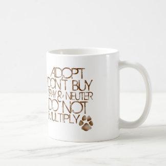 Adopt no compra la taza - Brown