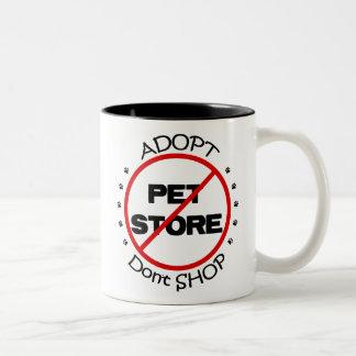 Adopt no hace compras taza