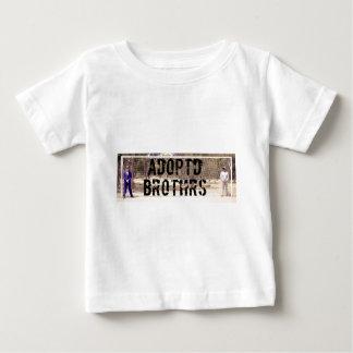 ADOPTD BROTHRS XCLUSIV line T Shirt