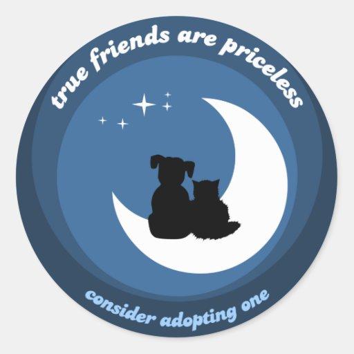 Adopte a los pegatinas de un mascota etiqueta redonda
