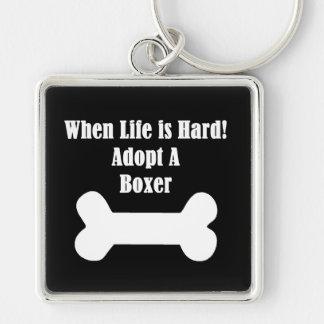 Adopte a un boxeador llavero cuadrado plateado