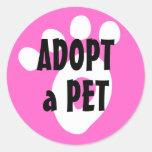 Adopte a un mascota del refugio etiqueta redonda