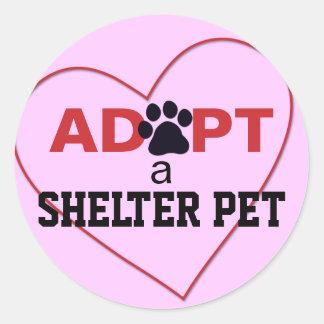 Adopte a un mascota del refugio pegatina redonda