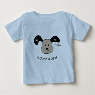 Adopte a un mascota tee shirt