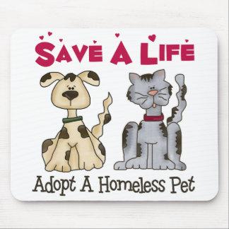Adopte a un mascota sin hogar Mousepad