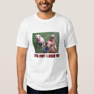 ¡Adopte por favor un perro del rescate! Remera