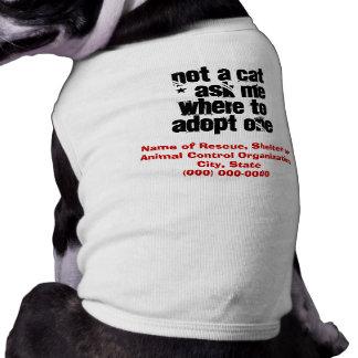 Adopte un perro amistoso del gato playera sin mangas para perro