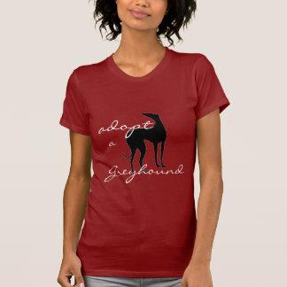Adopte un perro del galgo camisas