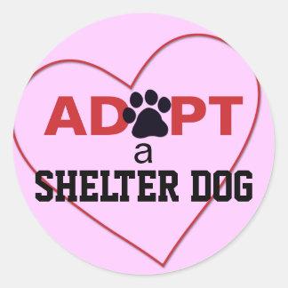 Adopte un perro del refugio etiqueta redonda