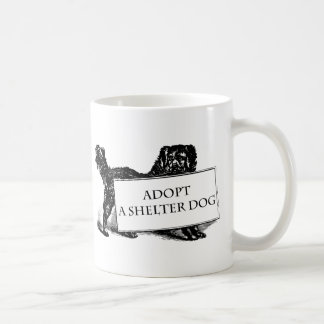 Adopte un perro del refugio taza clásica