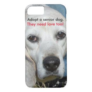 Adopte un perro mayor. ¡Necesitan amor también! Funda iPhone 7