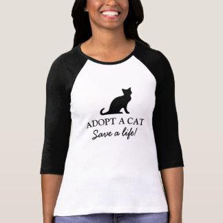 Adopte una reserva del gato una camisa de la vida