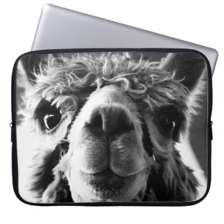 ADORABLE ALPACA COMPUTER SLEEVE