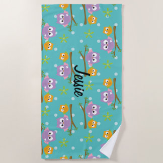 Adorable Cartoon Style Owls on Branch Print Beach Towel