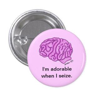 """""""Adorable cuando agarro"""" el botón"""