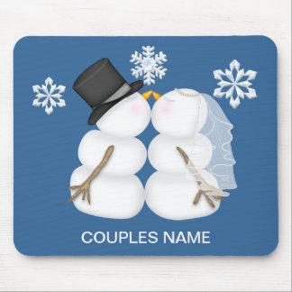 Adorable Kissing Snowman Couple Mouse Pads