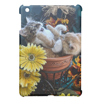 Adorable Kitty Cats Kittens w/ Paws up in Battle iPad Mini Cases