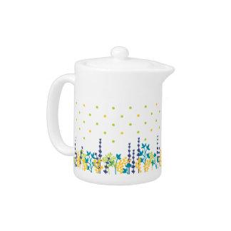Adorable Polka Dot Leaf Border Tea Pot