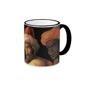 Adoración de Mantegna de unos de los reyes magos Taza De Dos Colores
