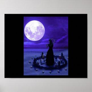 Adoración púrpura de la luna póster