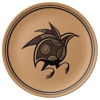 Adorno chipriota antiguo del pájaro plato de cerámica