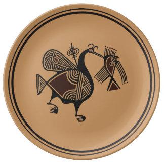 Adorno chipriota antiguo del pelícano y de los pes plato de cerámica