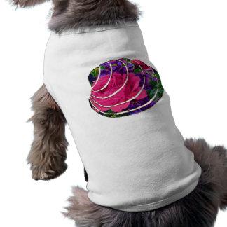 Adorno de los rosas y de las violetas playera sin mangas para perro