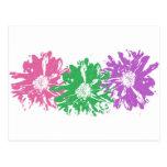 Adorno floral rosado, verde, púrpura postal