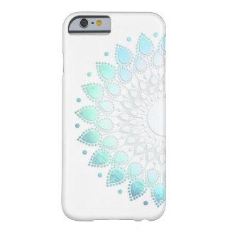 Adorno verde azul claro elegante de la flor funda de iPhone 6 slim