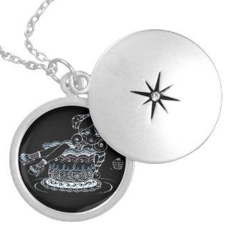 Adrift necklace