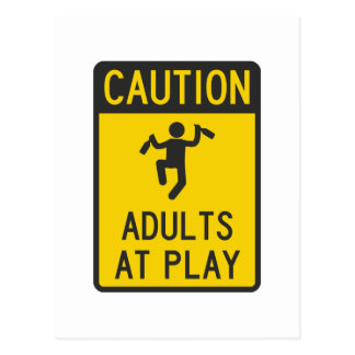 Adultos de la precaución en el juego tarjetas postales