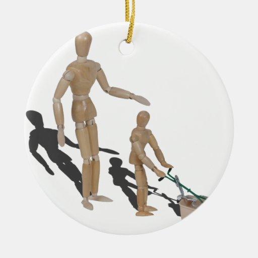 AdultSuperviseChildPushLawnMower042014.png Ornamento Para Reyes Magos