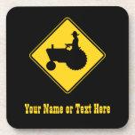 Advertencia de la señal de tráfico del tractor de  posavaso