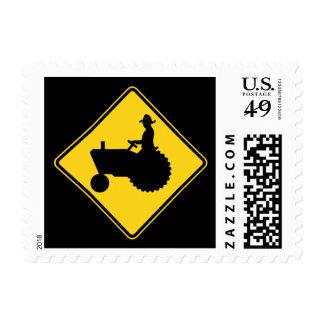 Advertencia de la señal de tráfico del tractor de sello postal