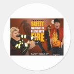 Advertencia divertida de los frikis de la segurida etiqueta