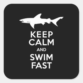 Advertencia divertida del tiburón - guarde la pegatina cuadrada