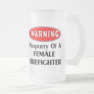 ¡Advertencia! Propiedad de un bombero de sexo feme Taza Cristal Mate
