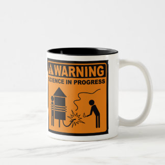 ¡Advertencia! Taza de café en curso del © de la